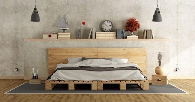Muebles hechos con palets. Cama hecha de palets