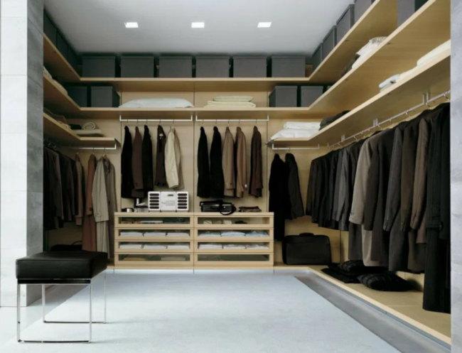 Iluminar un armario con focos