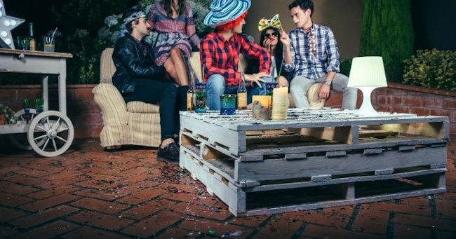 Mueble de mesa hecha con palets
